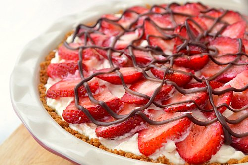 Strawberries and Cream Pie | Just Putzing Around the Kitchen