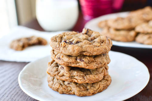 Chewy Chocolate Cherry Oatmeal Cookies (Adapted from Love Veggies and ...