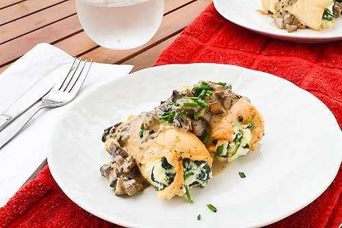 Baked Chicken Roll-Ups with Light Mushroom Cream Sauce